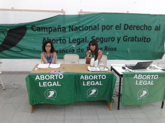 Sabrina Frydman y Carolina Comaleras presentaron la campaña en Parana (Foto APFDigital)