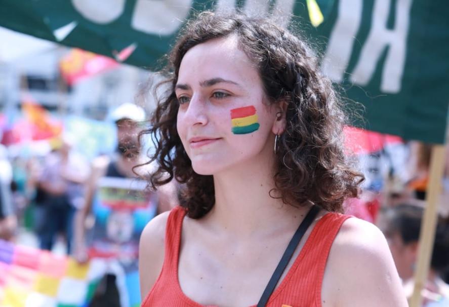 Nadia Burgos participó en Buenos Aires de la marcha de repudio al golpe de Estado en Bolivia - APF Digital